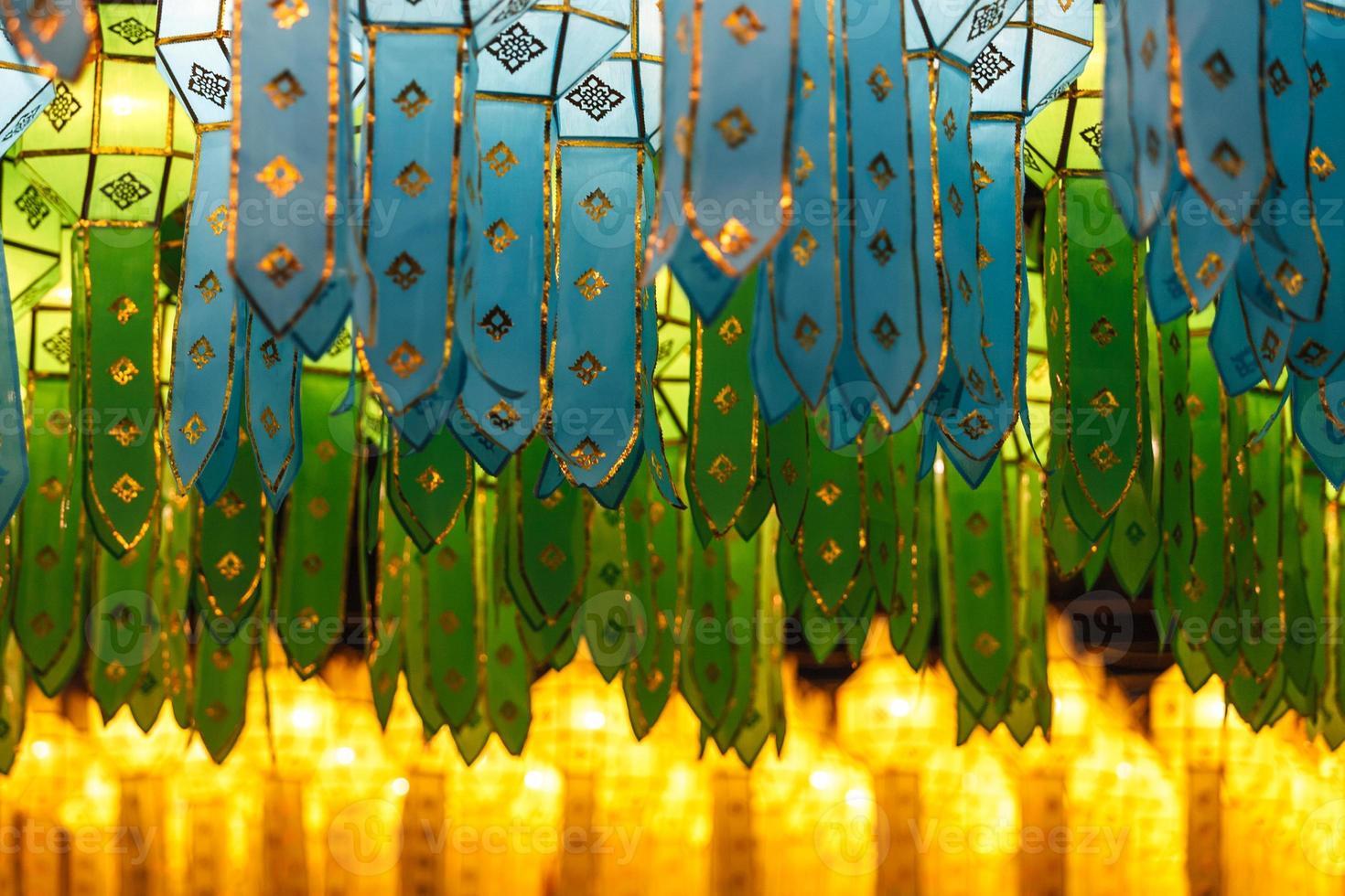 lanternas do estilo tailandês do norte em loi krathong foto