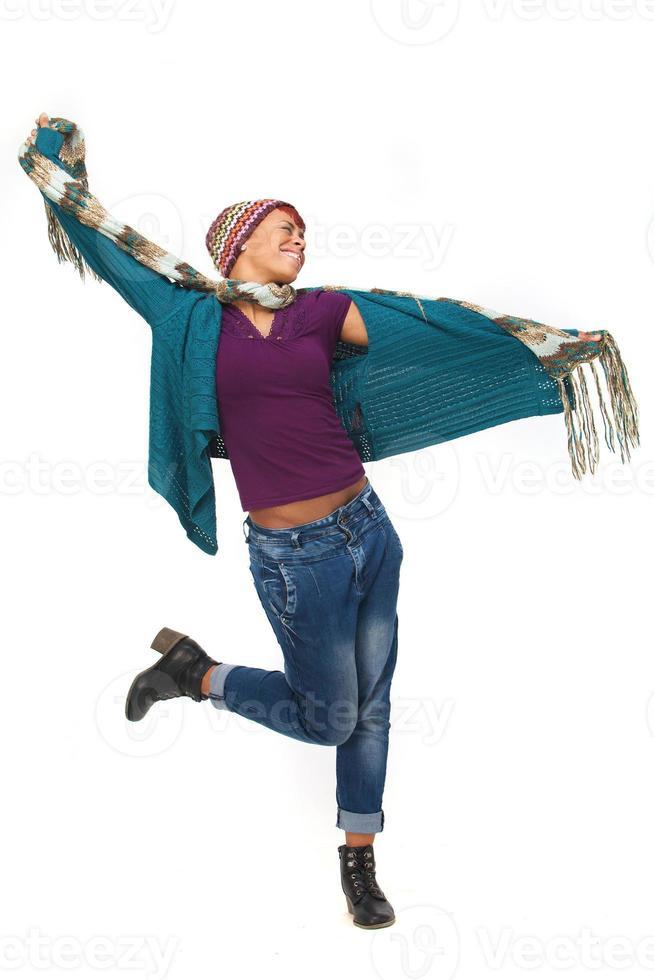 mulher afro-americana dançando foto