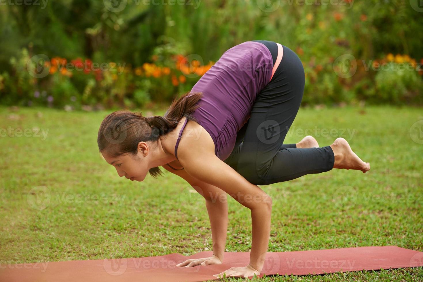 mulher yoga foto