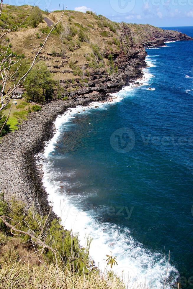 litoral acidentado de maui foto