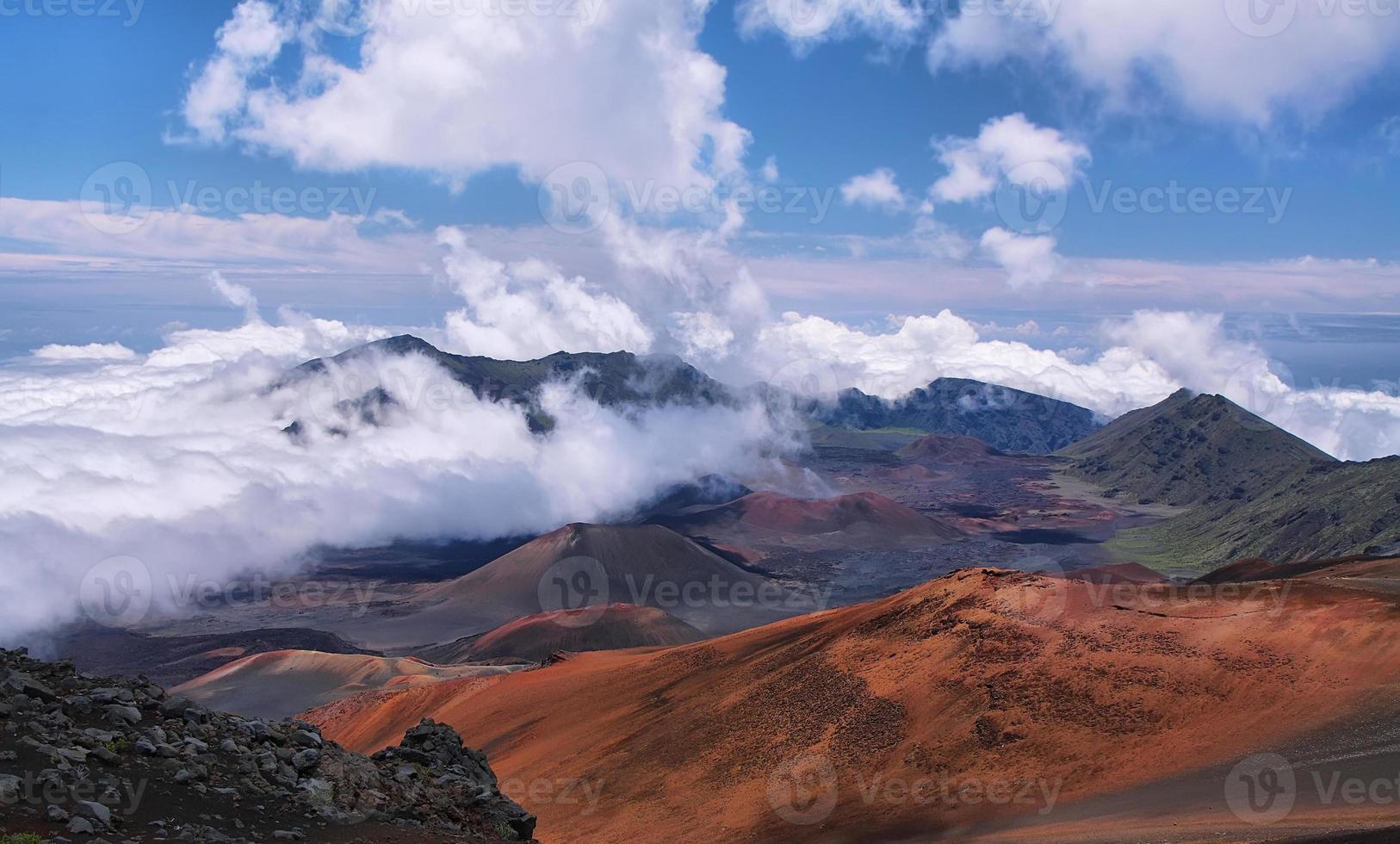 caldeira do vulcão haleakala na ilha de maui foto