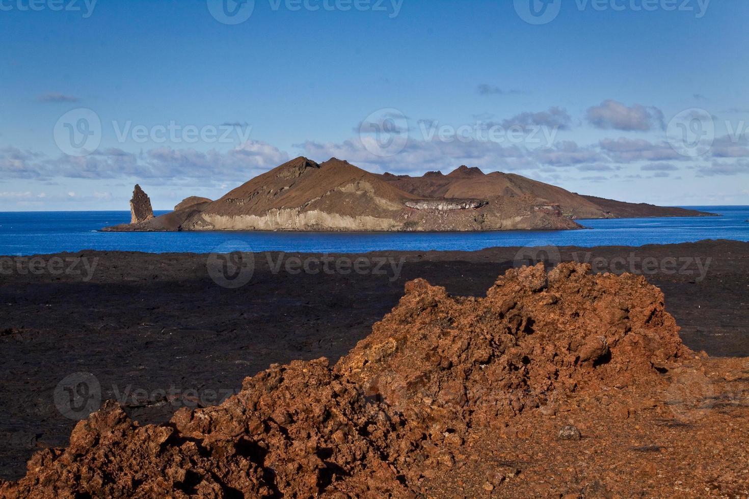 bela paisagem cênica da ilha de bartlome nas Ilhas Galápagos foto
