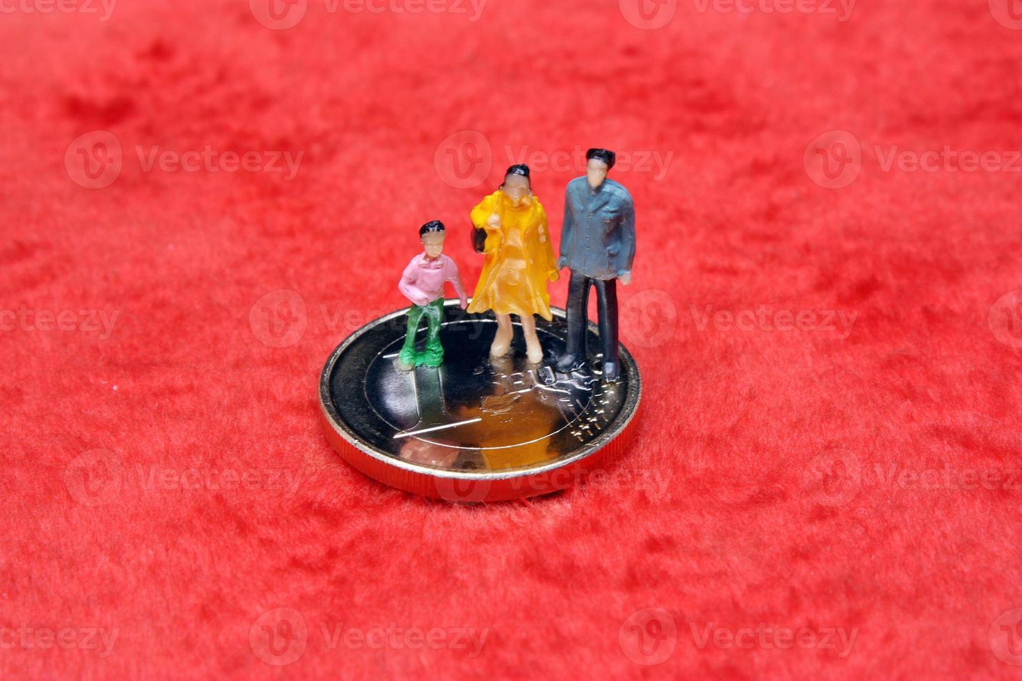 figura família em miniatura foto