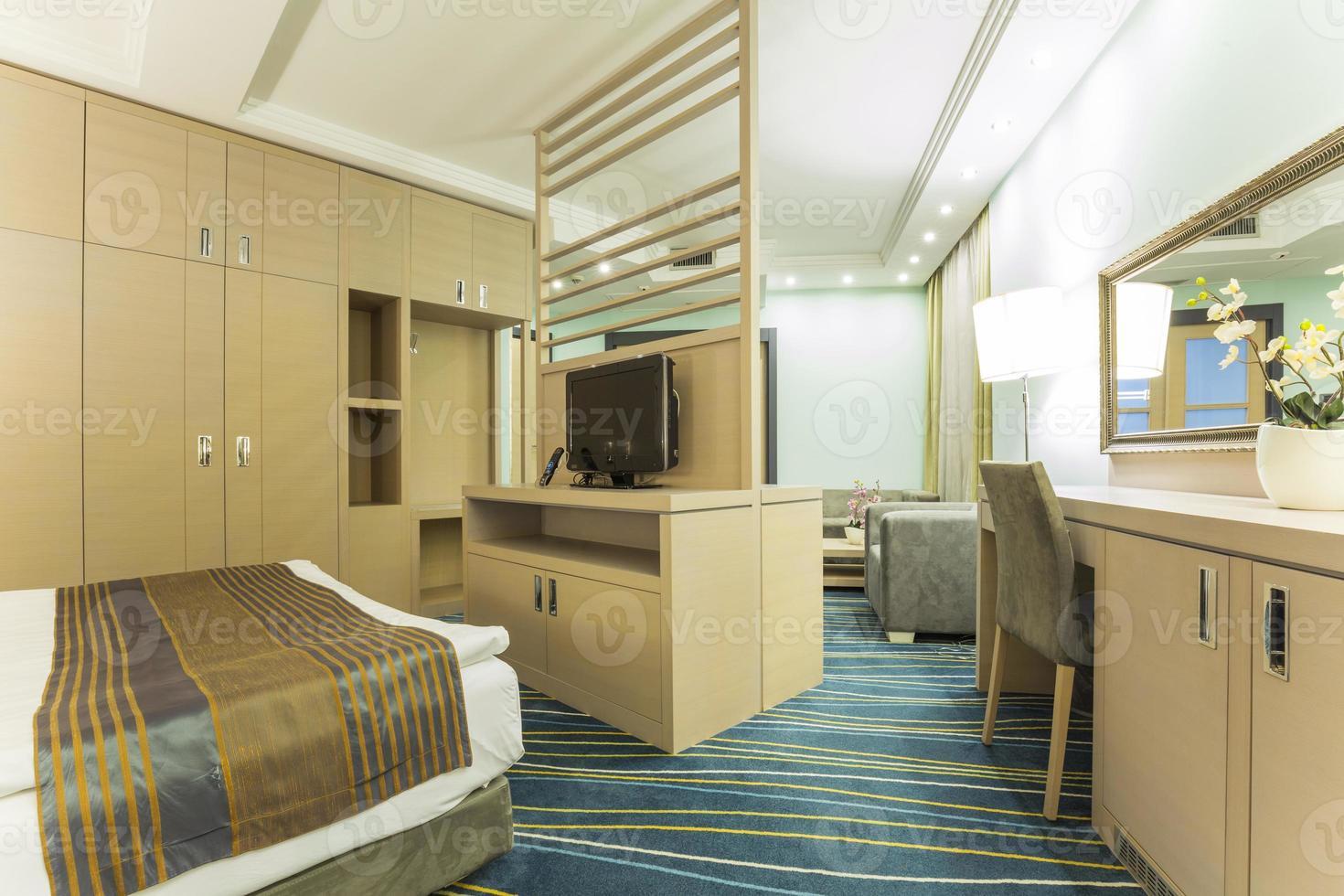 interior elegante do quarto de hotel foto