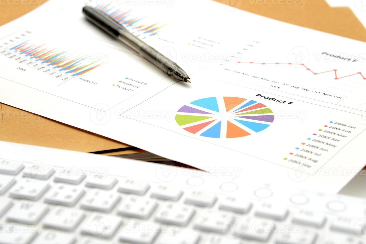 conceito de negócio, mesa no escritório foto