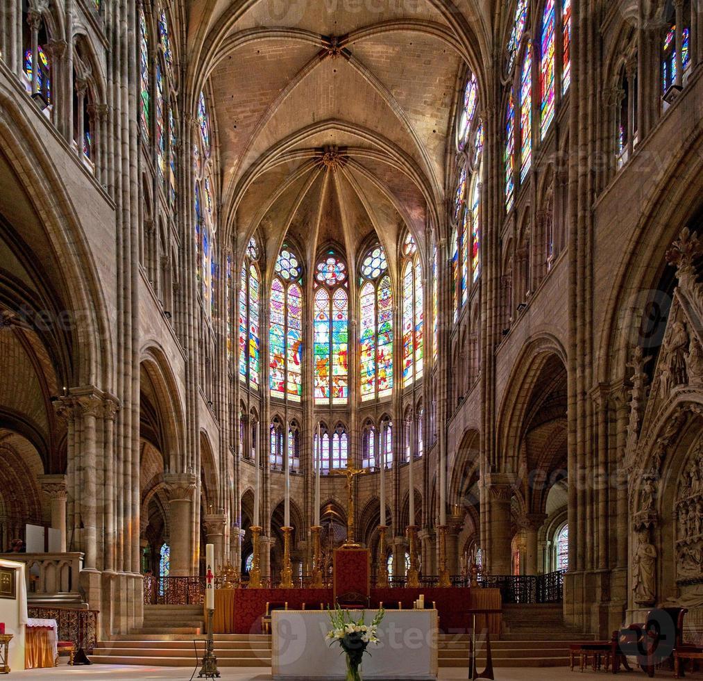 basílica de saint denis (basilique royale de saint-denis) 6 (paris, frança) foto