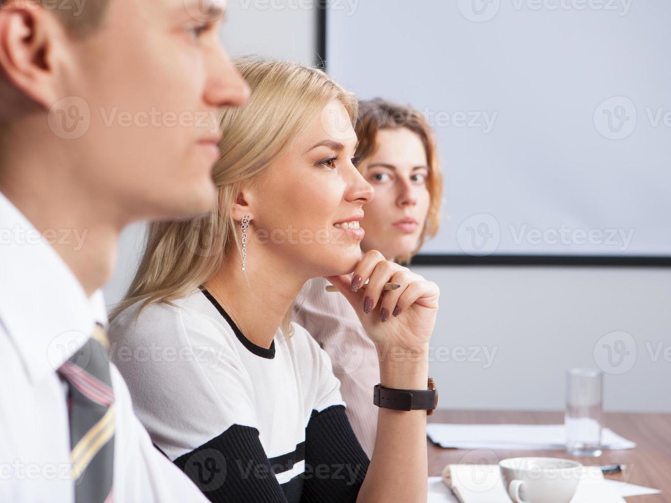 reunião de negócios no escritório foto