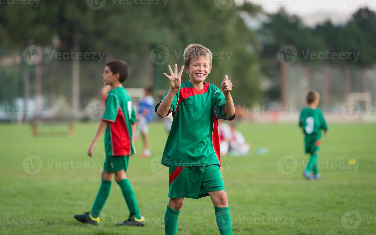 jogo de futebol infantil foto