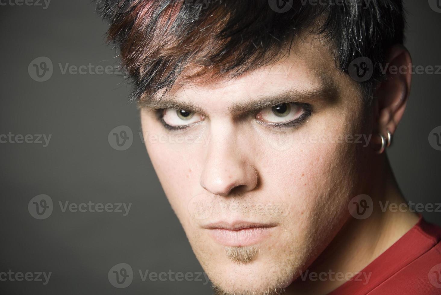 retrato de homem punker foto