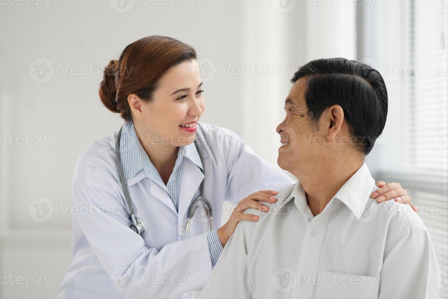tranquilizando um paciente foto