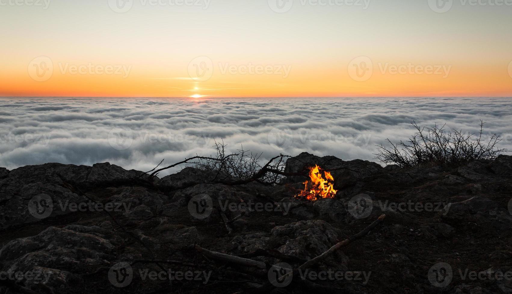fogo do nascer do sol foto