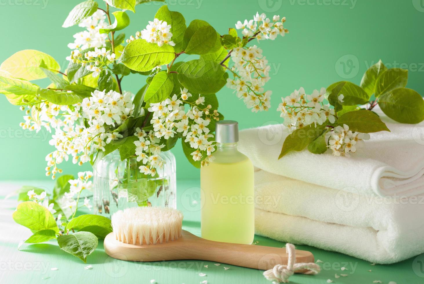 aromaterapia spa com escova de óleo essencial de flor de cerejeira para foto