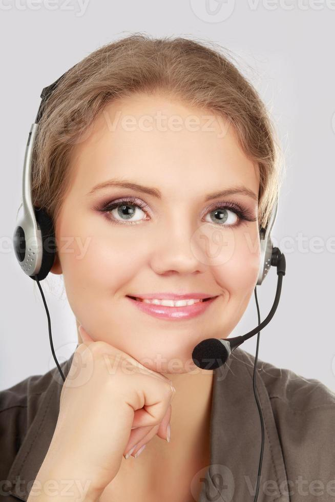 funcionário do call center usando fone de ouvido foto