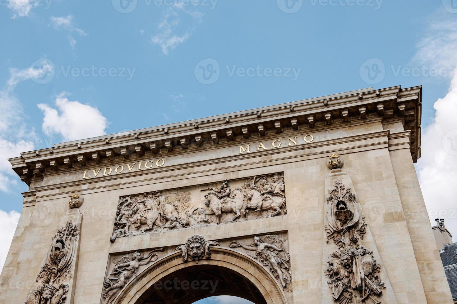 porte saint-denis, paris, frança arco do triunfo foto