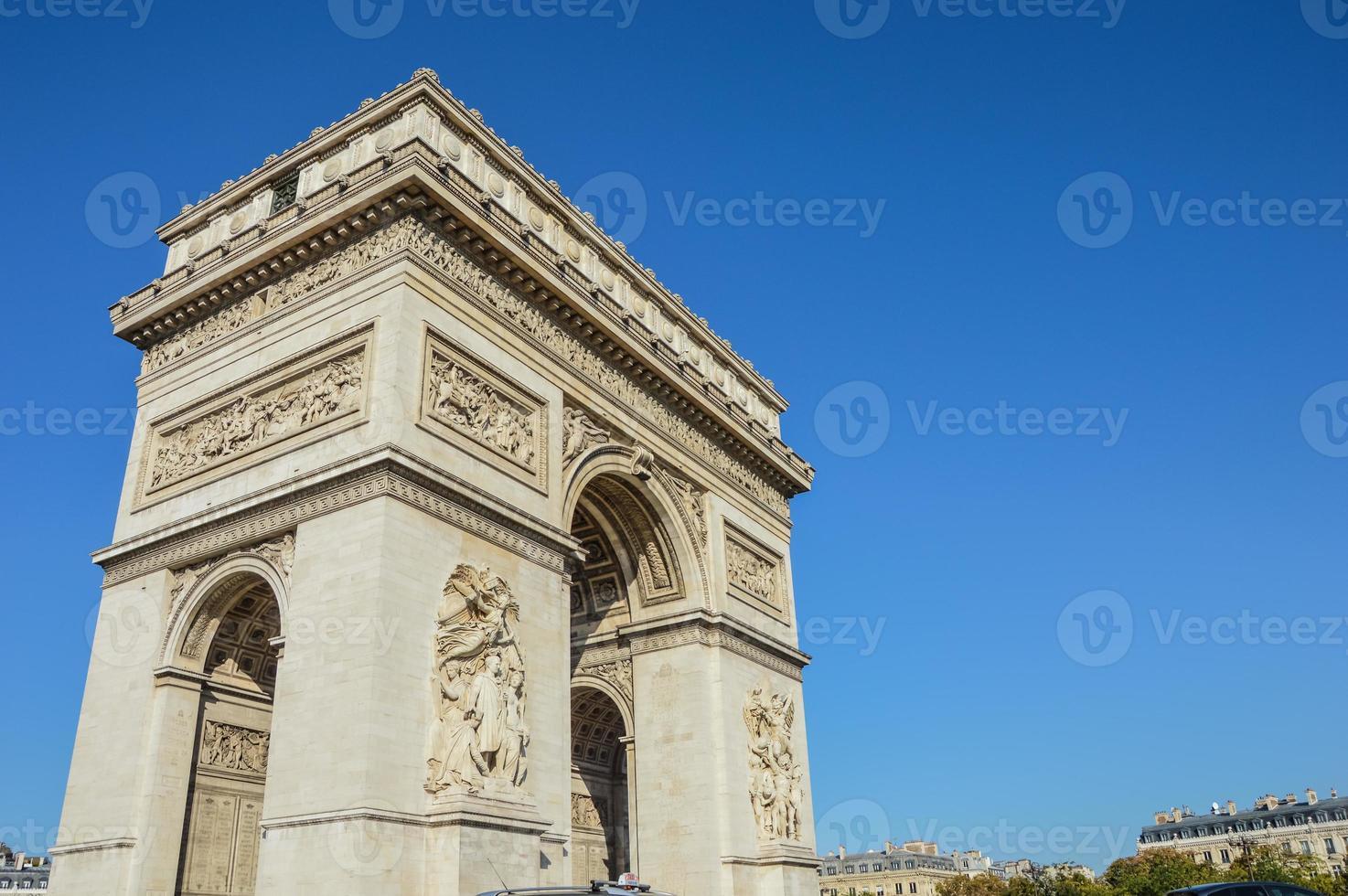 monumento do arco do triunfo em paris frança foto