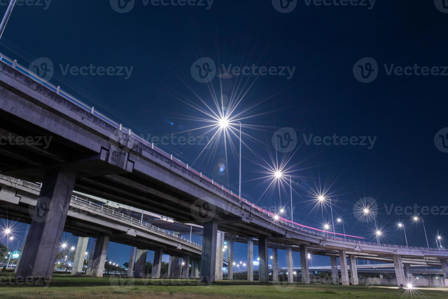 estrada expressa de pedágio foto