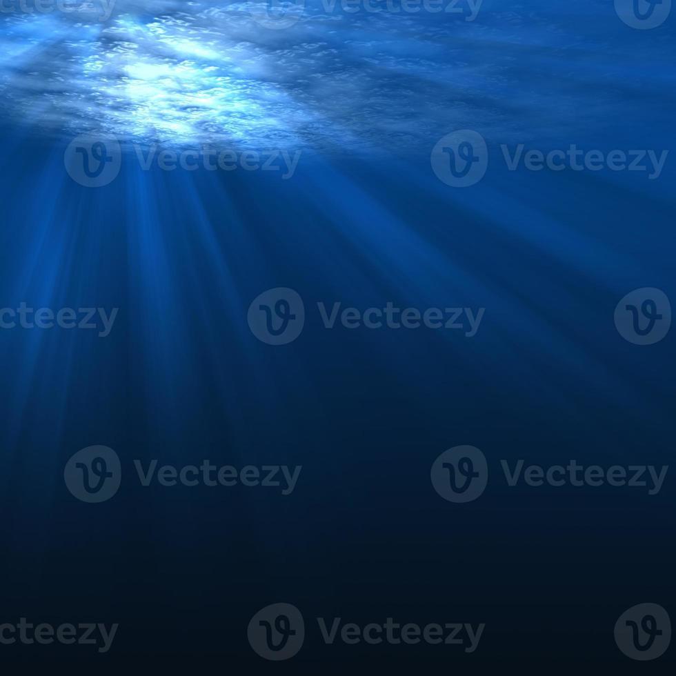 cena subaquática com raios de luz foto