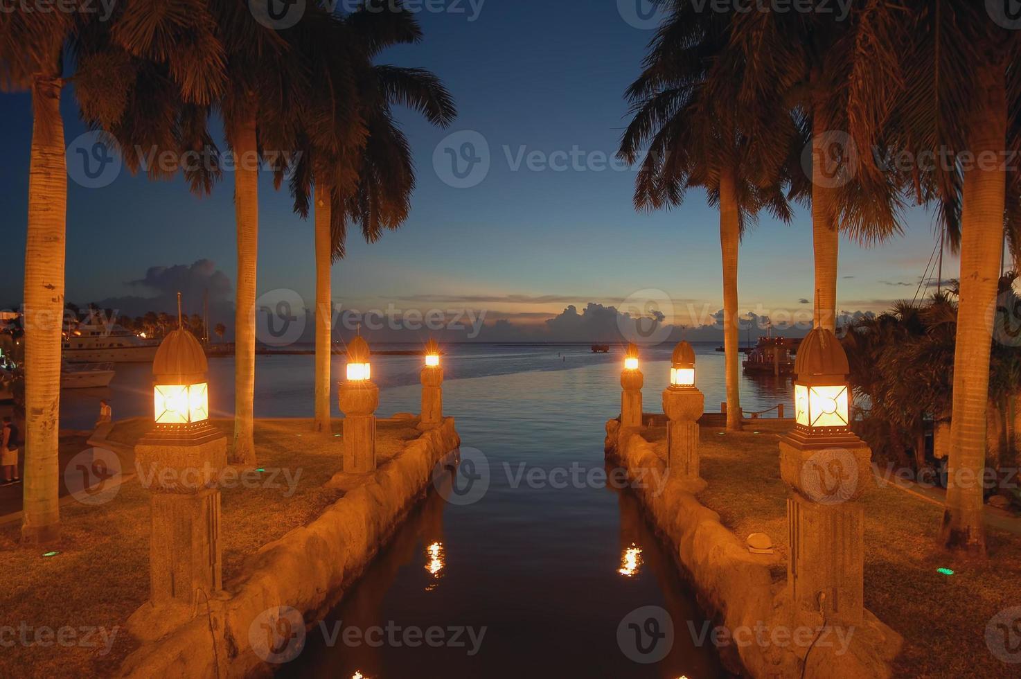 aruba canal night view local romântico. foto