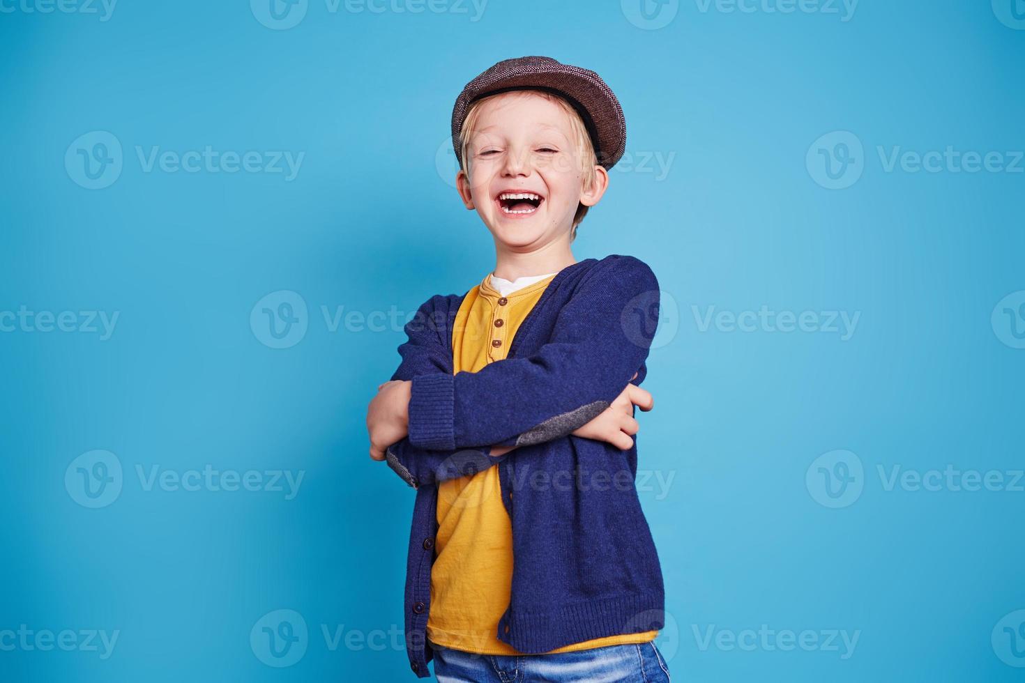 garoto em êxtase foto
