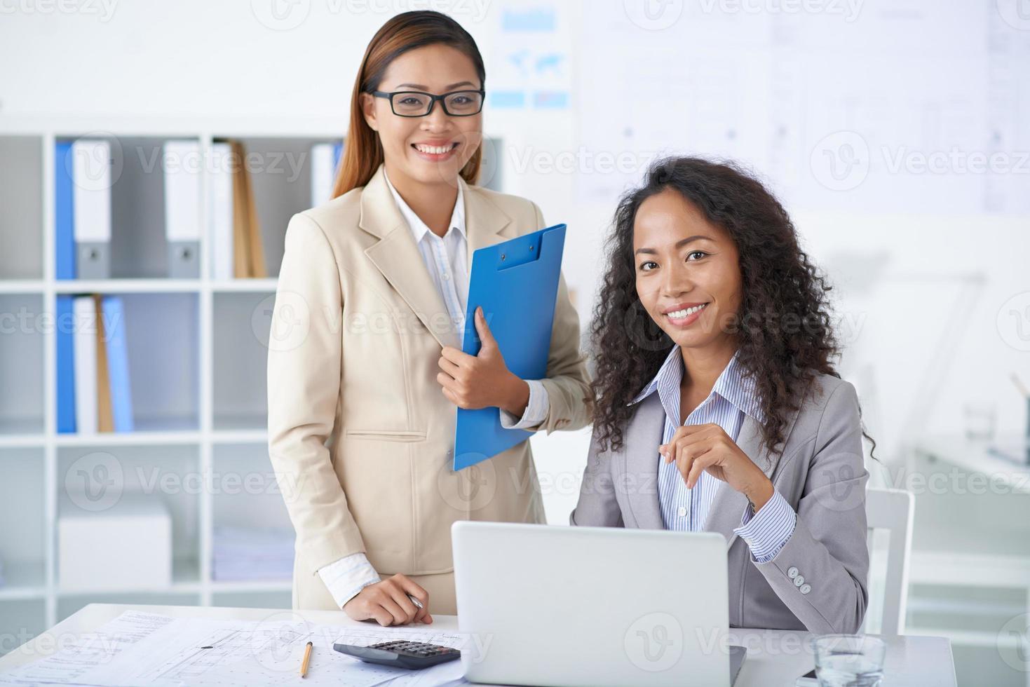 mulheres de negócios vietnamita foto