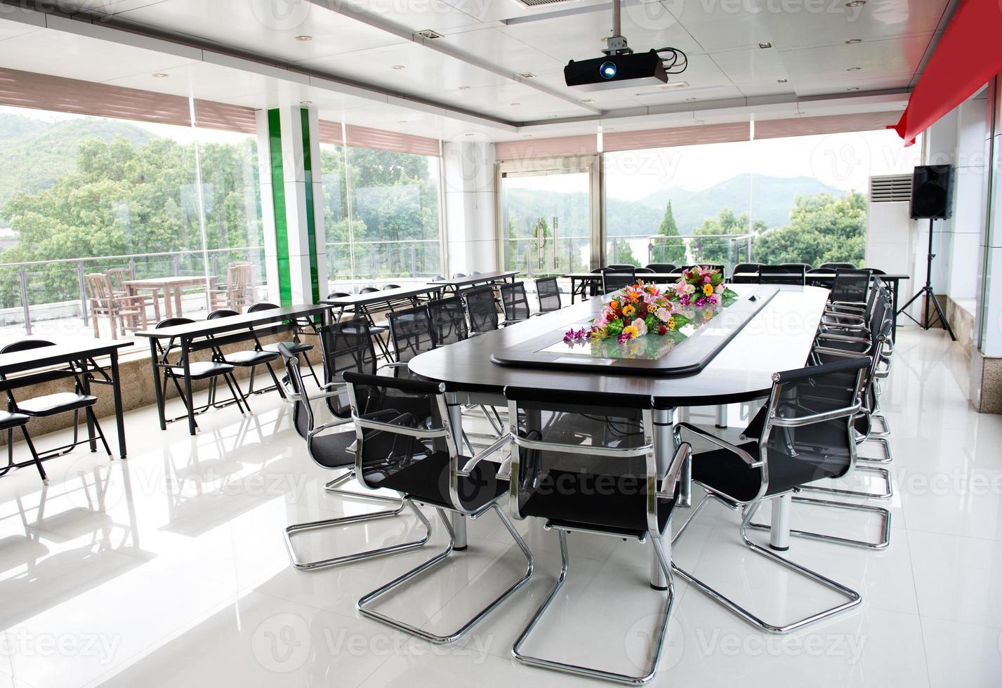 interior da sala de conferências foto