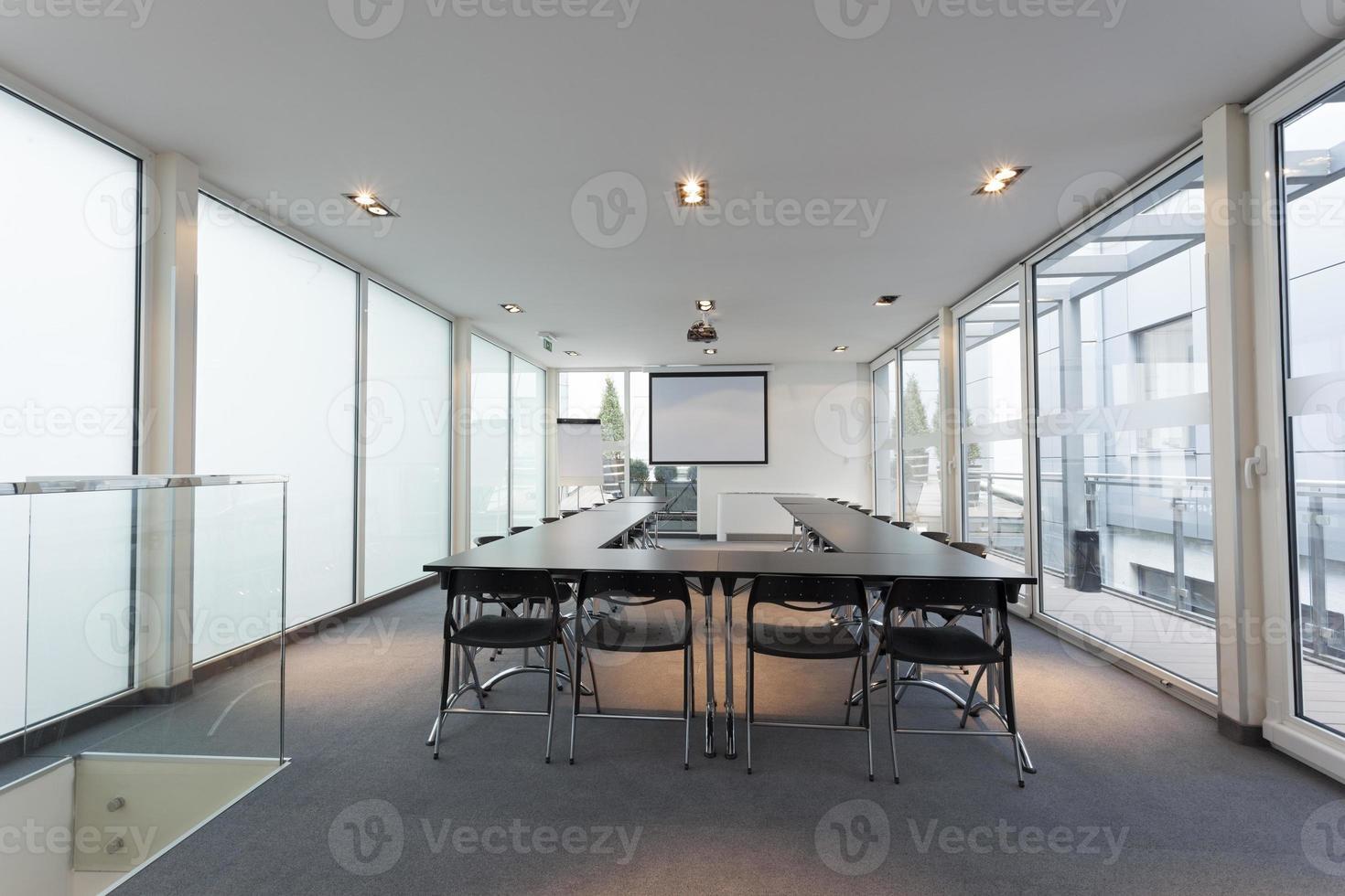 interior moderno brilhante sala de conferências foto