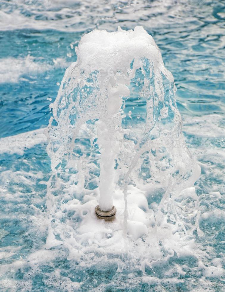 jato de fonte de água foto