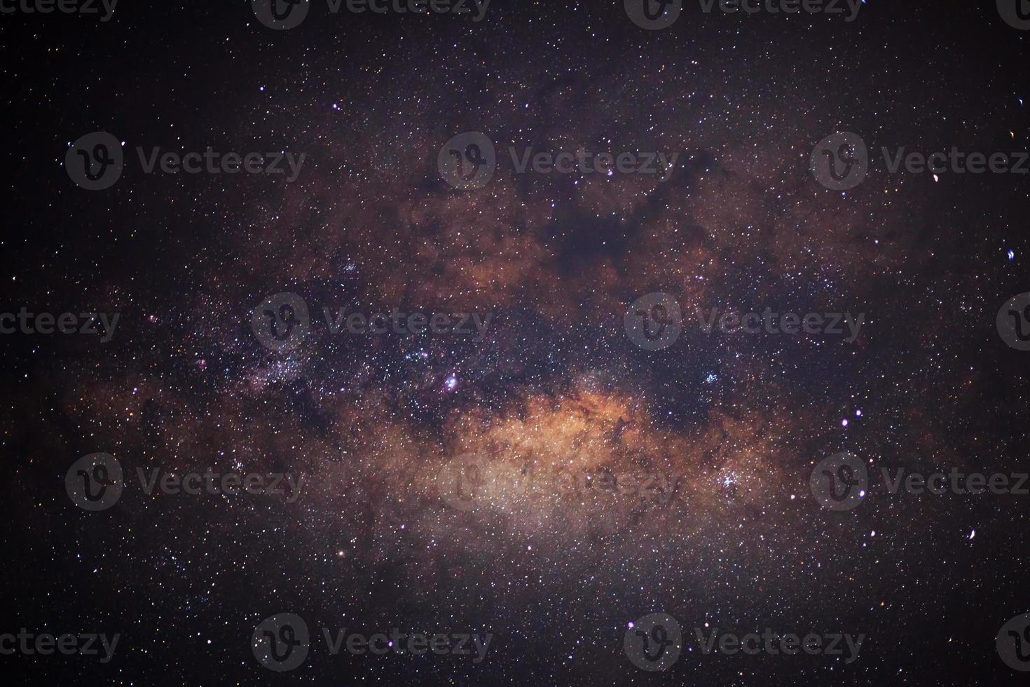 close-up da Via Láctea, fotografia de longa exposição, com grãos foto