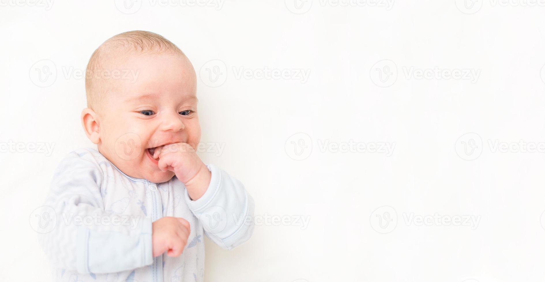 sorrindo bebezinho. lugar para o seu texto. foto