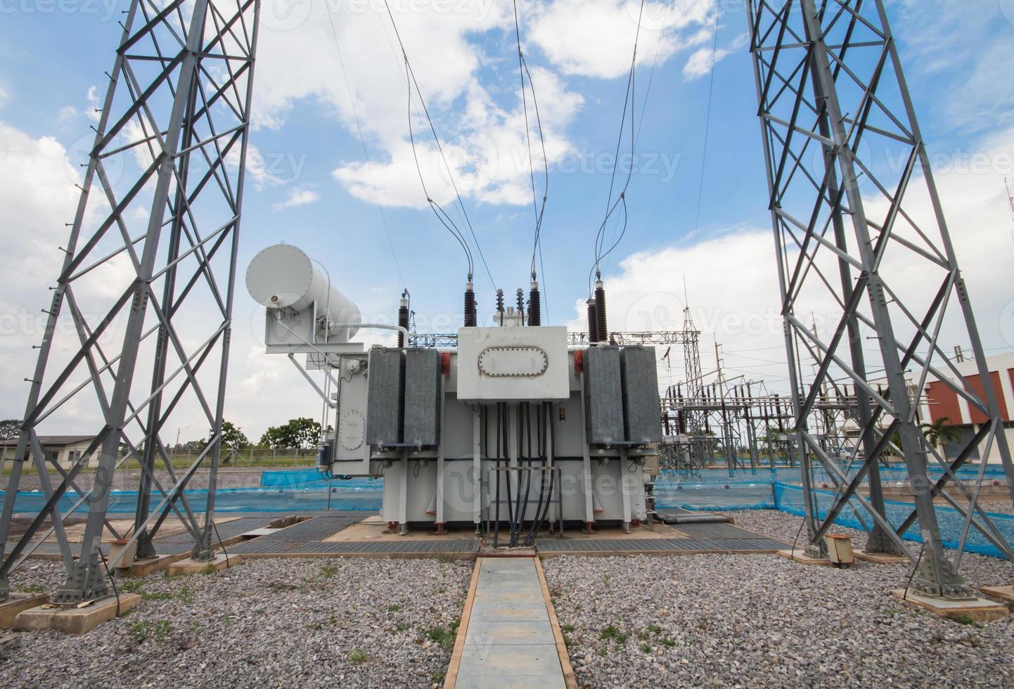 transformador de potência na subestação 115 kv / 22 kv foto