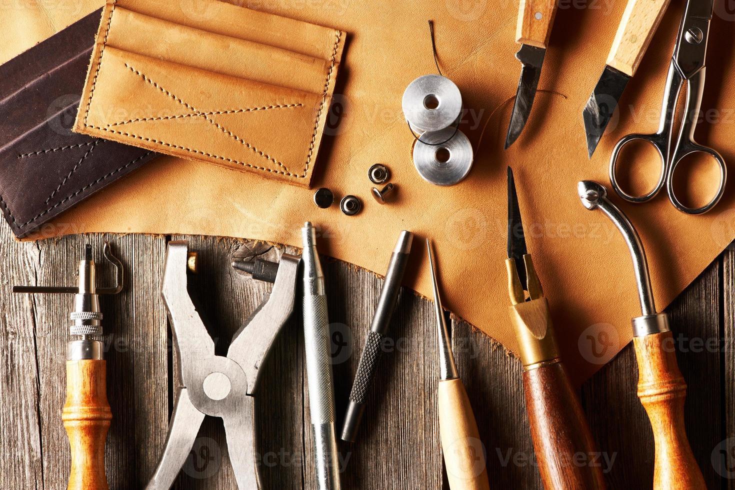 ferramentas de elaboração de couro foto