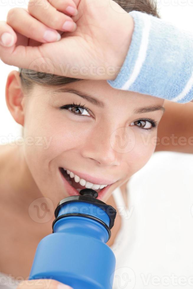 mulher bebendo aptidão foto