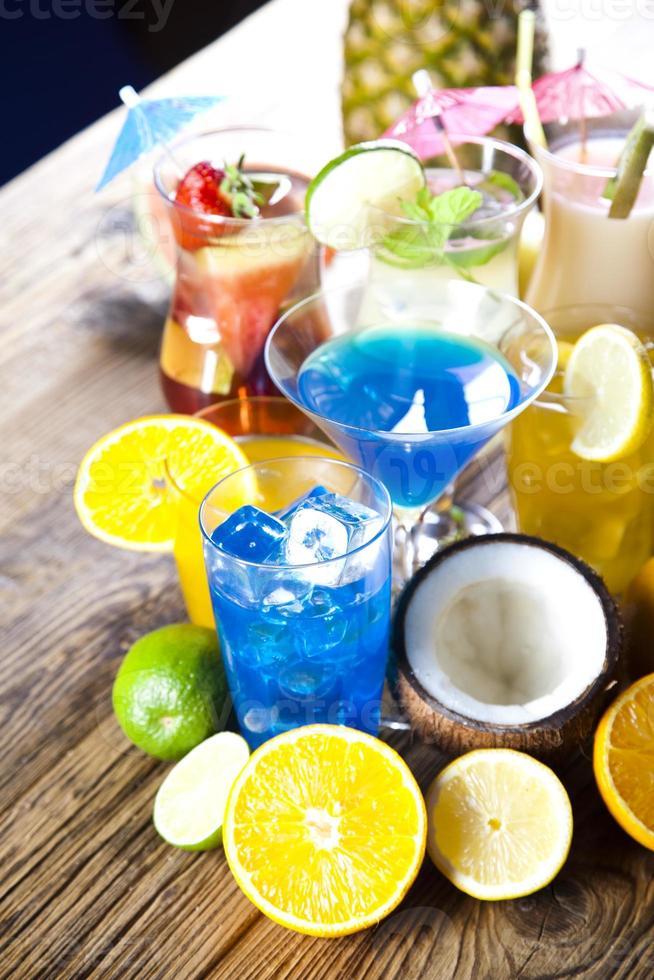 coquetéis, bebida alcoólica foto