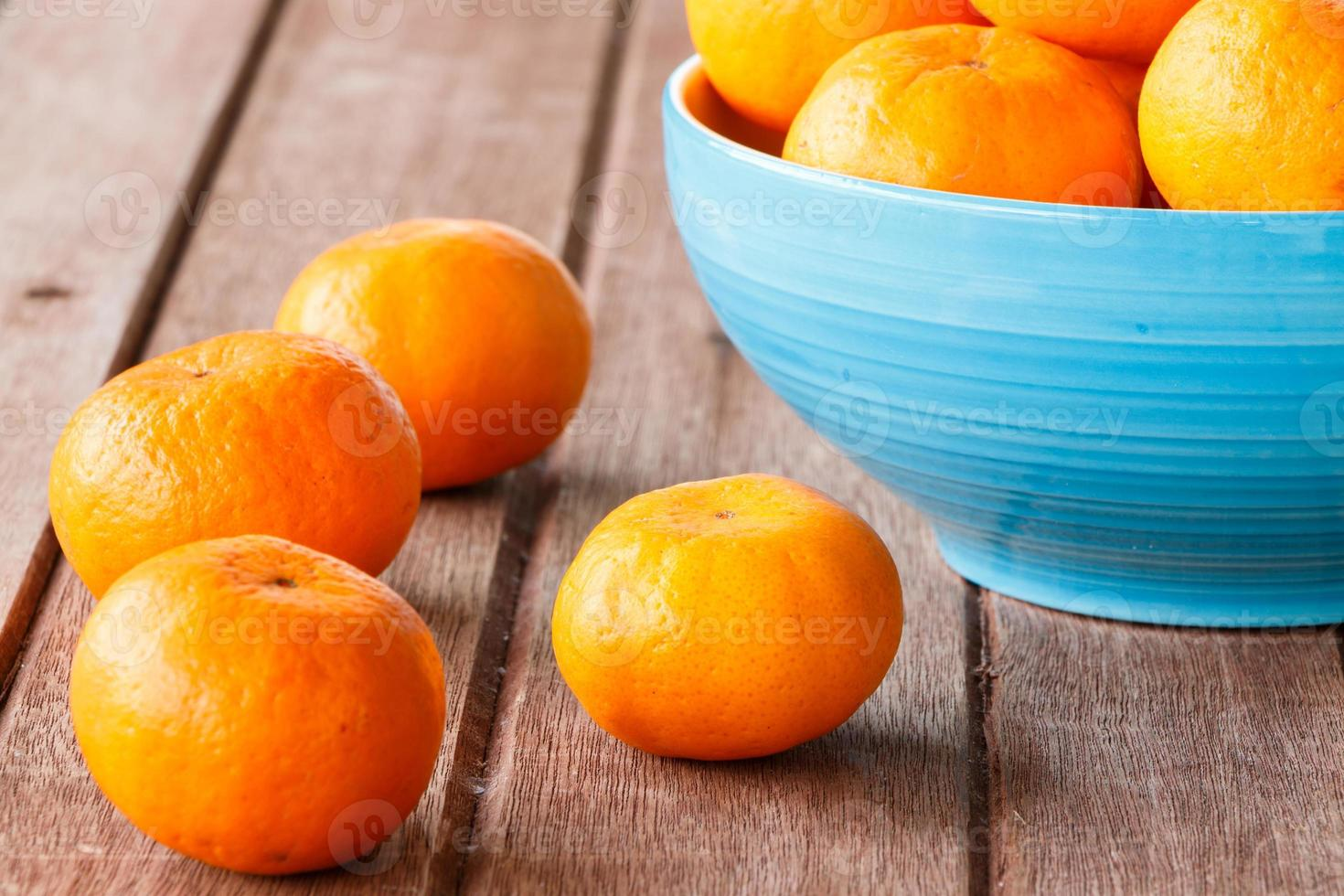 laranja na madeira foto