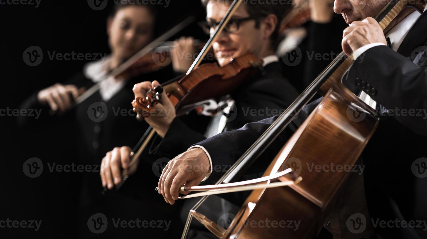 performance de orquestra de cordas foto