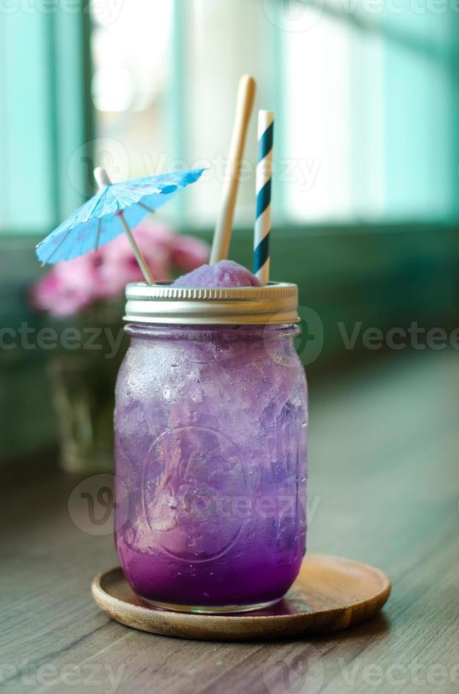 suco de ervilha para beber foto