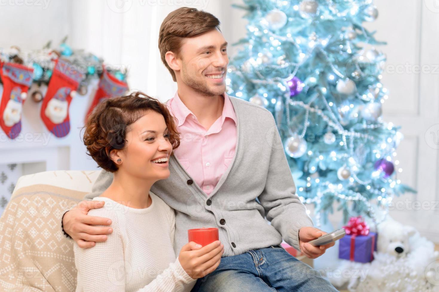 casal apaixonado, bebendo chá foto