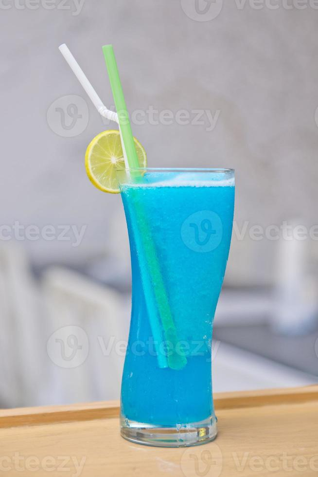 bebida doce azul de Havaí foto