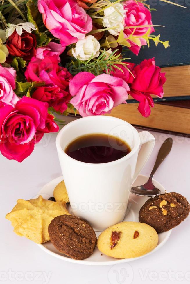 bebida quente café e biscoitos foto