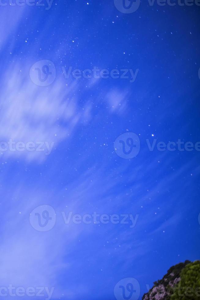 estrelas e nuvens foto