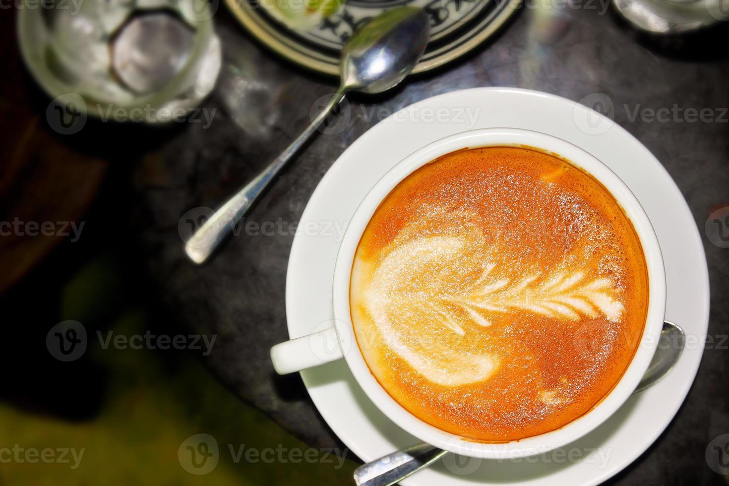 cappuccino de bebida quente foto
