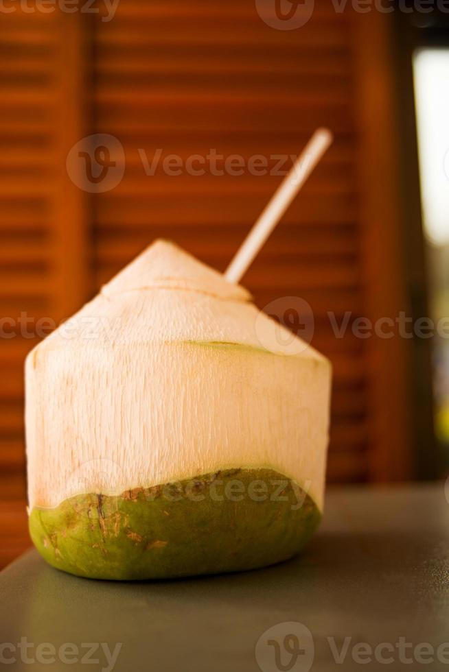bebida de coco fresca, tailândia foto