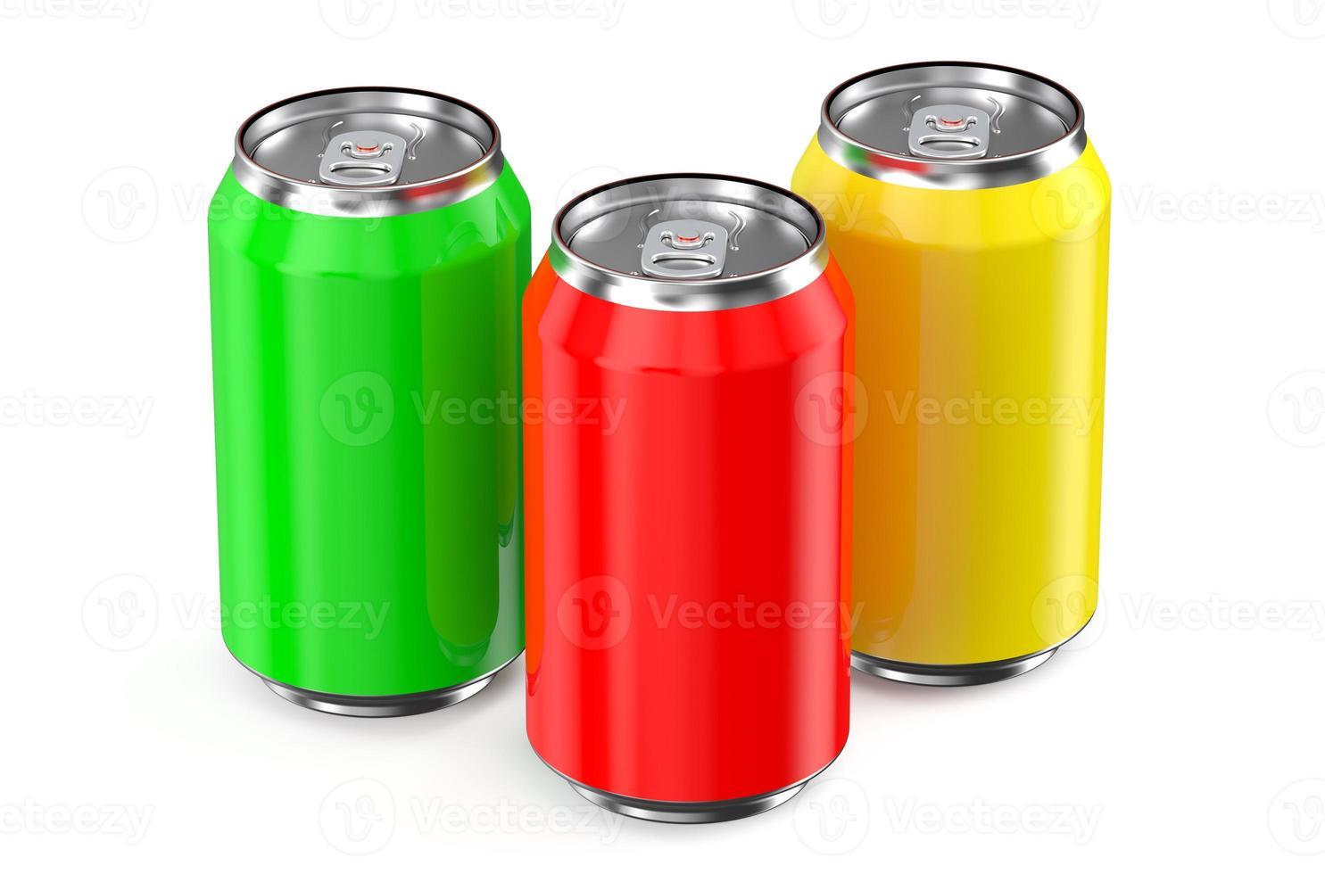 conjunto de latas metálicas de bebida foto