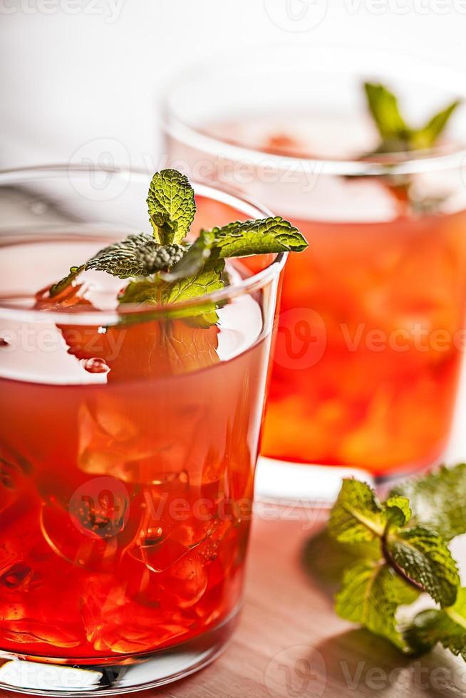 bebida fria de verão frio vermelho foto