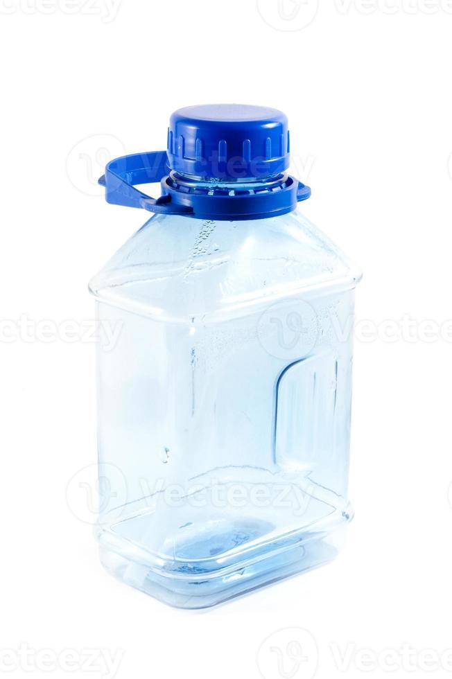 garrafa de plástico de água potável foto