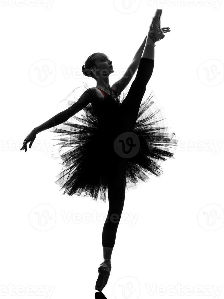 jovem bailarina bailarina dançando silhueta foto
