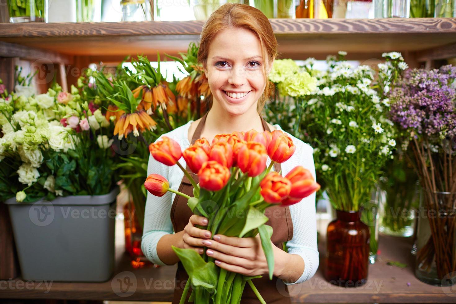 vendedor de flores frescas foto