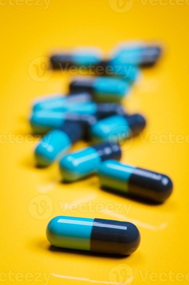 cápsula médica azul foto