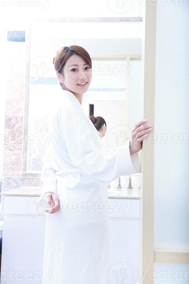 jovem asiática foto