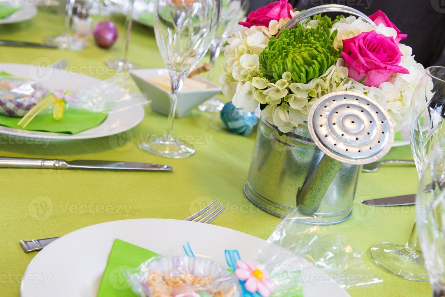 mesa de páscoa alegre foto